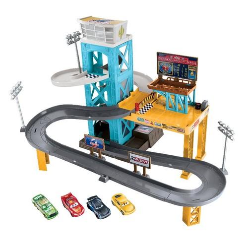 Disney Pixar Cars 3 Piston Cup Motorized Garage Playset