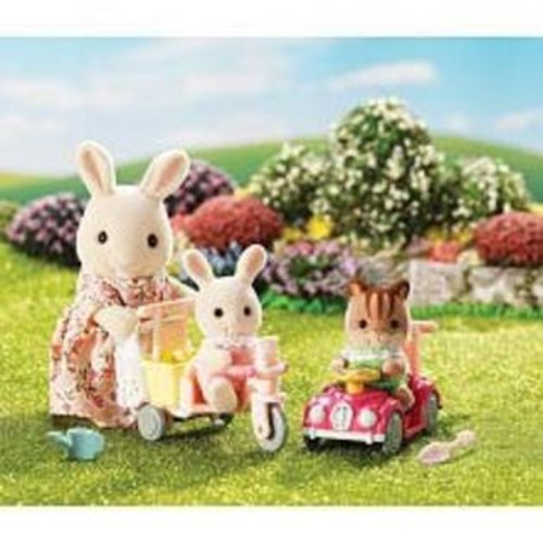 International Playthings Calico Critters Apple and Jake's Ride n Play