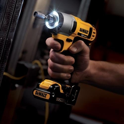 Dewalt DCF815S2R 12V MAX Cordless Lithium-Ion 1/4 in. Impact Driver Kit (Certified Refurbished)
