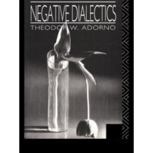 Negative Dialectics / Edition 1
