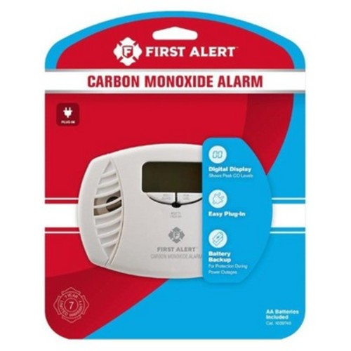 First Alert CODIG Dual Power Carbon Monoxide Plug-In Alarm with Battery Backup and Digital Display (Model
