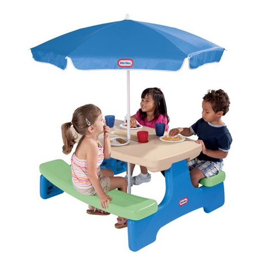 Little Tikes Easy Store Picnic Table with Blue Umbrella