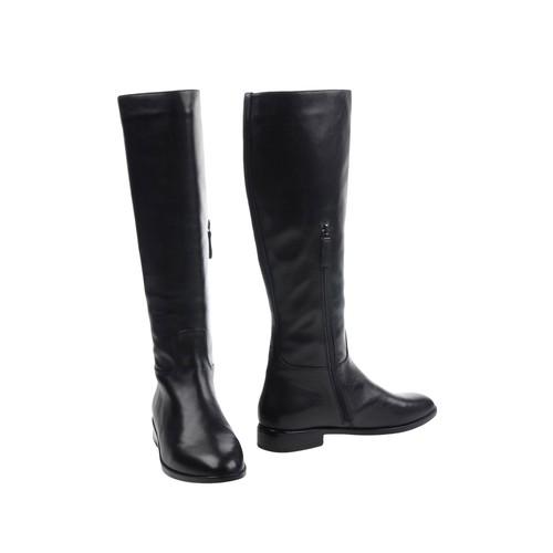 MI/MAI Boots