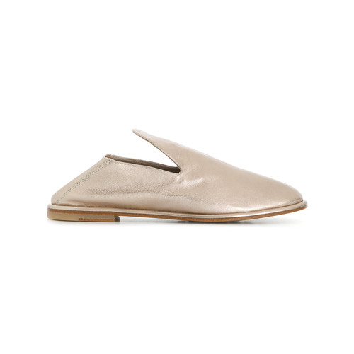 low heeled loafers