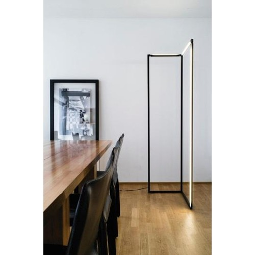 Spigolo Floor Lamp [Finish : Black]