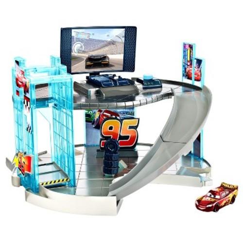 Disney Pixar Cars 3 - Rust-eze Racing Center Playset