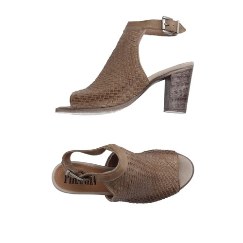 PIRANHA Sandals