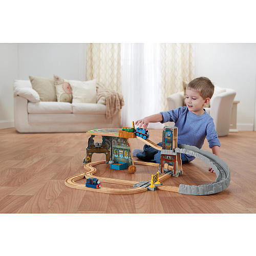 Fisher-Price Thomas & Friends Wooden Railway - Thomas' Fossil Run Train Set (Tale of the Brave)