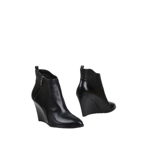 SIGERSON MORRISON Ankle boot