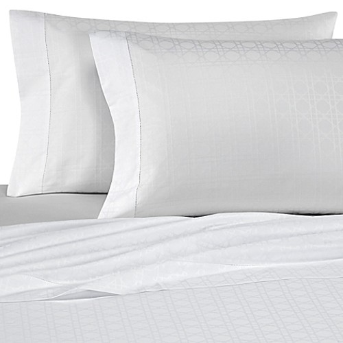 Bellino Fine Linens Viennese Netting Jacquard King Pillowcases in White (Set of 2)