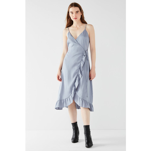 UO Ruffle Hem Satin Wrap Midi Dress [REGULAR]
