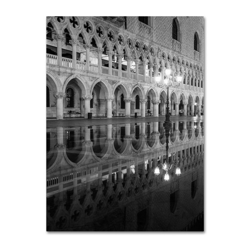 Trademark Global Moises Levy 'Venetia Reflection' Canvas Art [Overall Dimensions : 14x19]