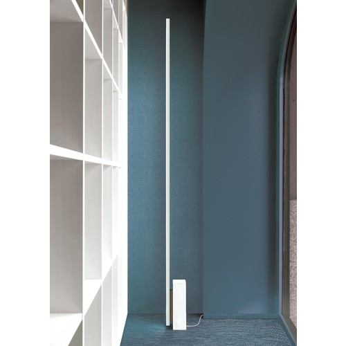 Linescapes Floor Lamp [Finish : Black]