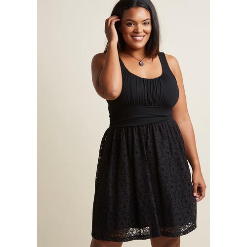 Artisan Iced Tea Lace Dress in Black