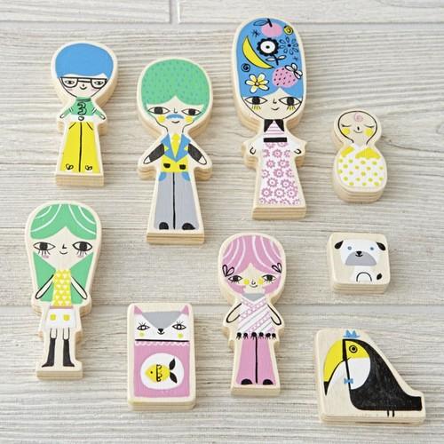A-Frame Dollhouse Family (Set of 9)