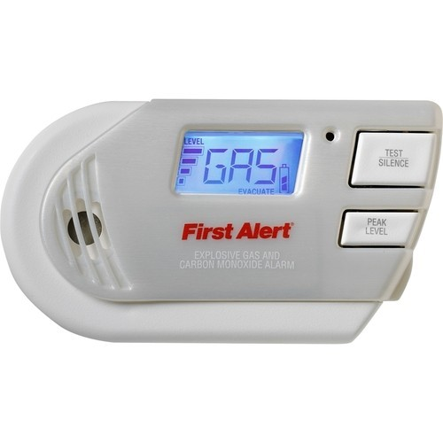 First Alert - Plug-In Explosive Gas and Carbon Monoxide Alarm - White & Gray