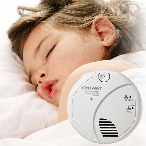First Alert SCO7CN Battery-Operated Combination Smoke and Carbon Monoxide Alarm with Voice and Location