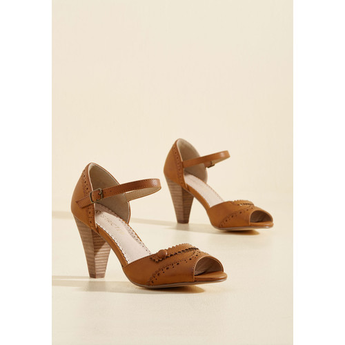 Wingtips and Tricks Peep Toe Heel in Caramel