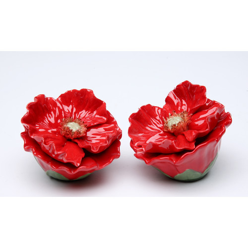 Cosmos Gifts Poppy Flower Salt and Pepper Set