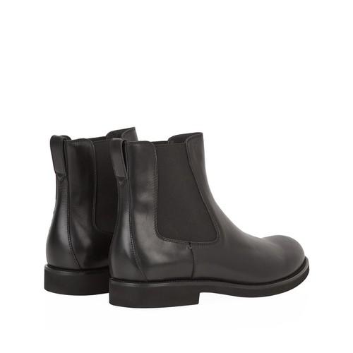 Plain Leather Chelsea Boot