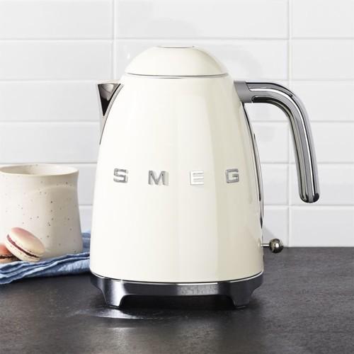 Smeg Cream Retro Electric Kettle