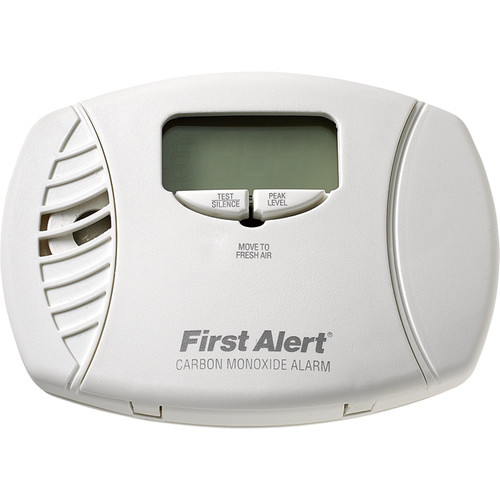 First Alert Carbon Monoxide Alarm with Digital Display  3-Pk., Plug-In with Battery Backup,