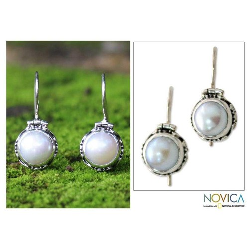 Sterling Silver Odyssey White Mabe Pearl Earrings (9 mm) (Indonesia)