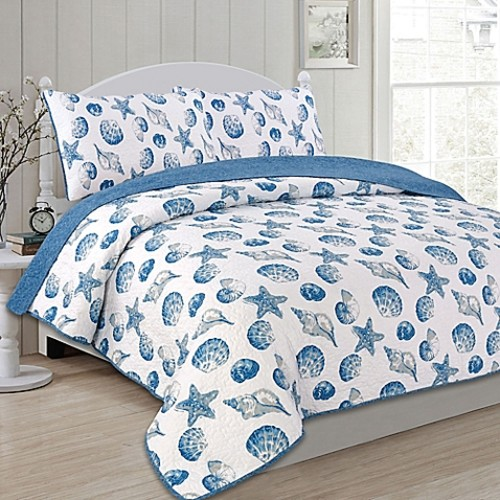 Panama Jack Seashells Reversible Full/Queen Quilt Set in Blue/White