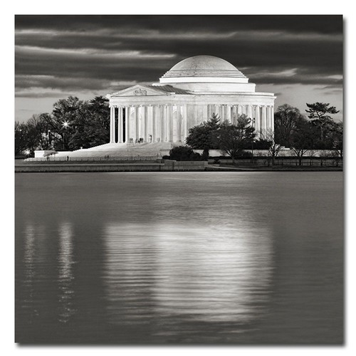 Trademark Global Gregory O'Hanlon 'Jefferson Memorial- Night' Canvas Art [Overall Dimensions : 24x24]