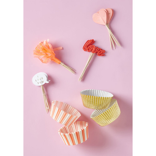 Passionate Presentation Cupcake Liner Set
