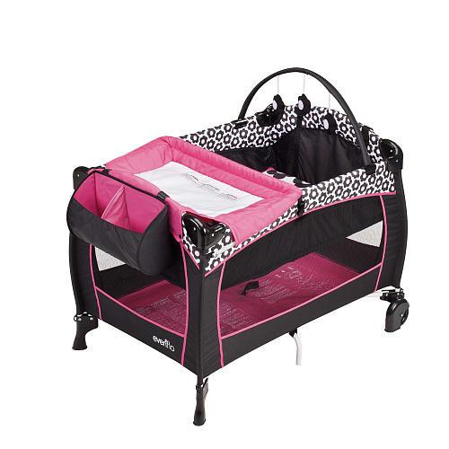 Evenflo Portable BabySuite 300 Play Yard - Marianna
