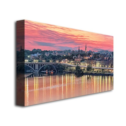 Trademark Global Gregory O'Hanlon 'Georgetown In Twilight' Canvas Art [Overall Dimensions : 18x32]