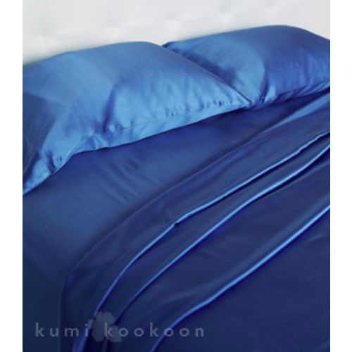 Classic Fitted Sheets design by Kumi Kookoon - Queen \/ Raindrop