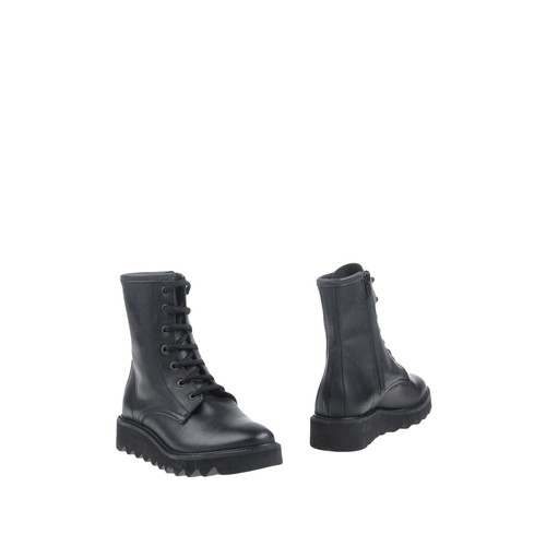CUBE Ankle boot