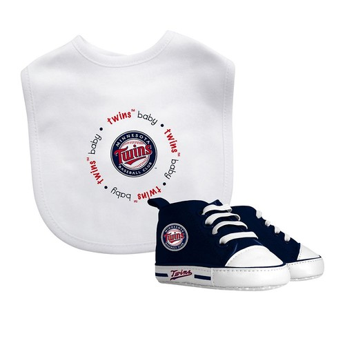 Baby Fanatic Minnesota Twins Bib and Pre-walker Set