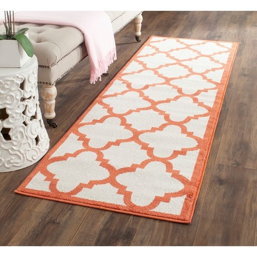 Safavieh Indoor/ Outdoor Amherst Beige/ Orange Rug (2'3 x 9')