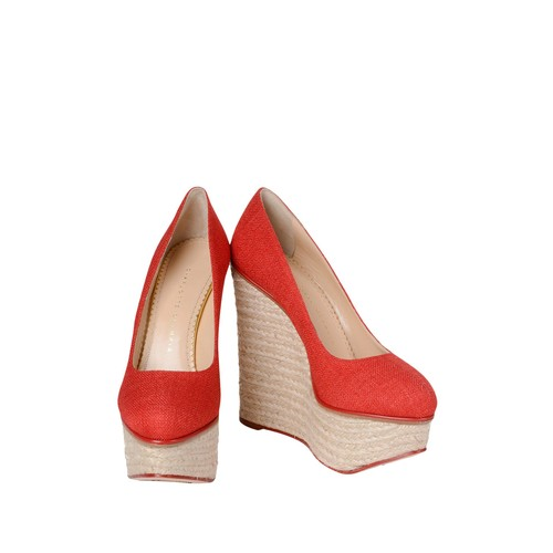 CHARLOTTE OLYMPIA Pump