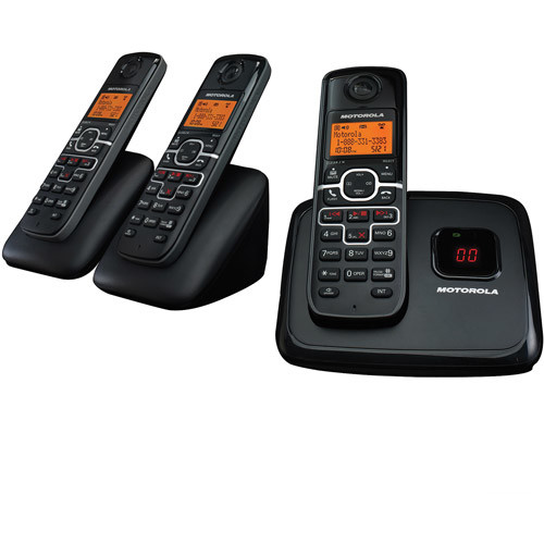 Motorola L703 DECT 6.0 Enhanced Cordless Phone with 3 Handsets and Digital Answering System