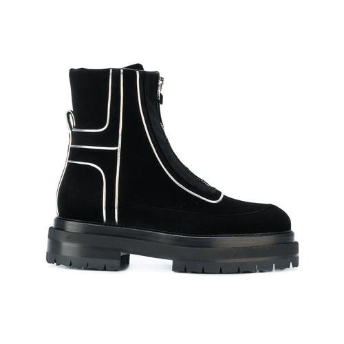 Machina boots