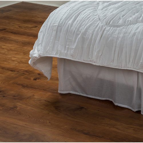 Rizzy Home Day Dream Solid White Cotton Bed Skirt