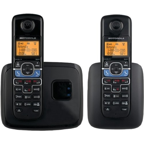 Motorola DECT 6.0 Cordless Phone with 2 Handsets, Digital Answering System and Mobile Bluetooth Linking L702BT [2 Handsets]