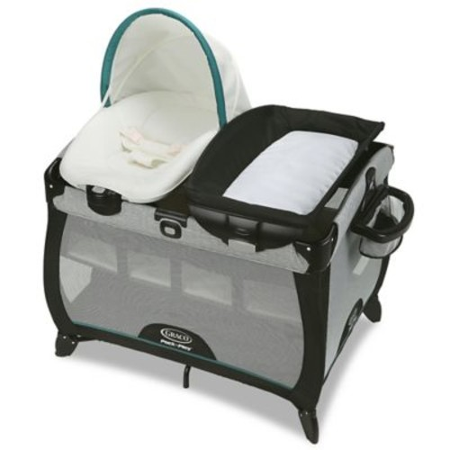 Graco Pack 'n Play Playard Quick Connect Portable Napper with Bassinet in Darcie
