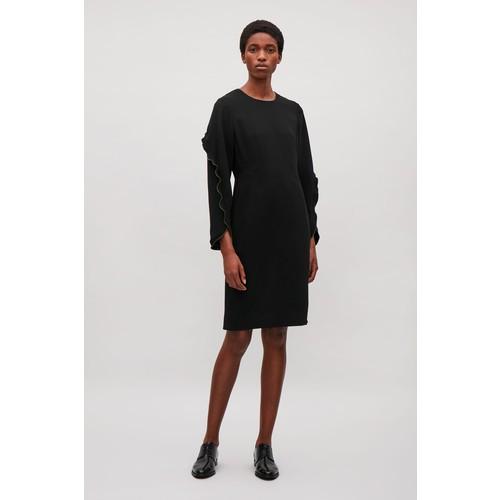 Frill-sleeved dress