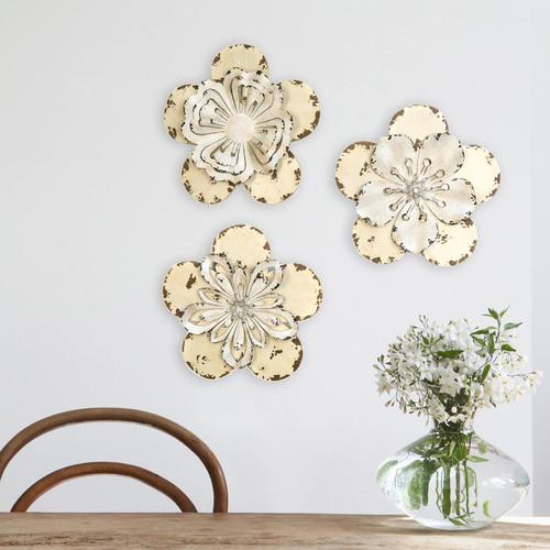 Stratton Home Decor 3-piece Rustic Flower Wall Decor Set