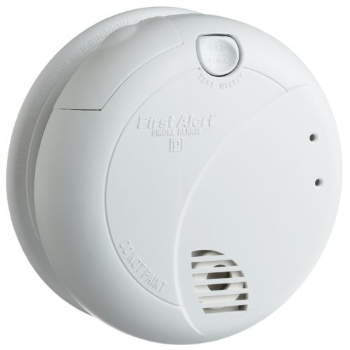 First Alert BRK 7010B Hardwire Smoke Alarm with Photoelectric Sensor and Battery Backup [Hardwired]