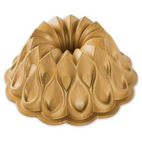 Nordic Ware Crown Premier Gold 10-Cup Bundt Pan in G