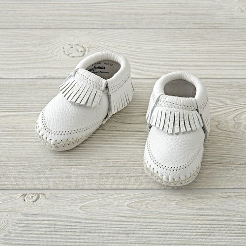 Minnetonka Riley White Baby Bootie Size 2 (3-6 Months)
