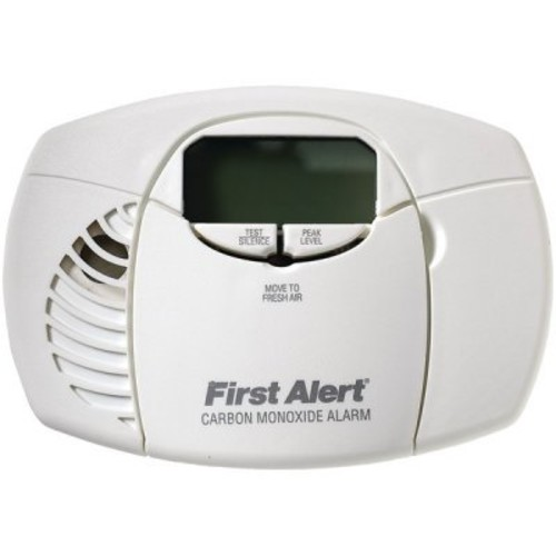 First Alert CO410 Battery Operated Carbon Monoxide Detector Alarm with Digital Display and Peak Memory [Alkaline Battery]