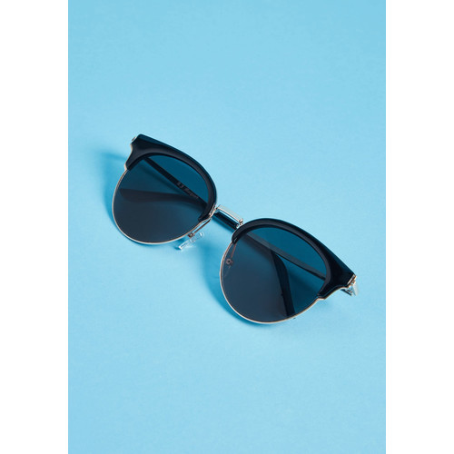 Shades for Days Sunglasses in Black