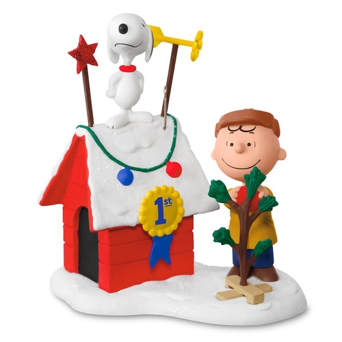 Peanuts Charlie Brown & Snoopy Decked-Out Doghouse Light-Up 2017 Hallmark Keepsake Christmas Ornament